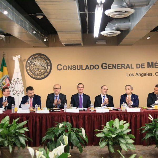 Terry McAuliffe, gobernador de Virginia, estará en México