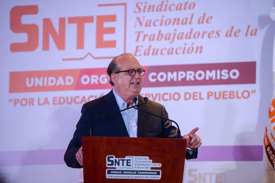 defensa de la educación pública en México