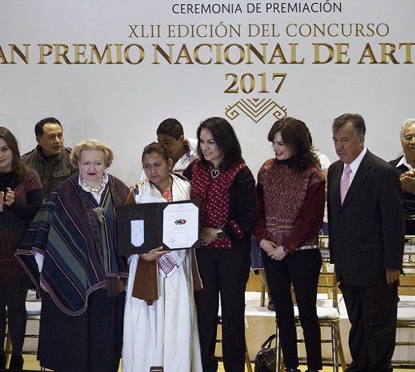 Joel Vera Carrillo, de la comunidad de Temilpa Nuevo, Tlaltizapán, acreedor al tercer lugar en la categoría de Bruñido