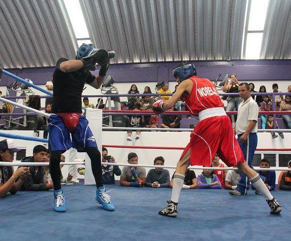 Los guerreros morelenses se fajaron en el ring para superar a sus rivales en ocasión; fueron más de 60 los peleadores que llegaron en busca del triunfo