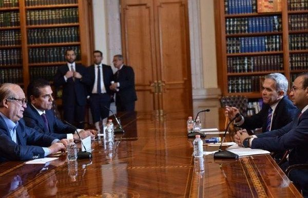 El secretario de Gobernación, Alfonso Navarrete Prida, acordó con los gobernadores de Morelos, Michoacán y Chiapas, así como el jefe de Gobierno de la Ciudad de México