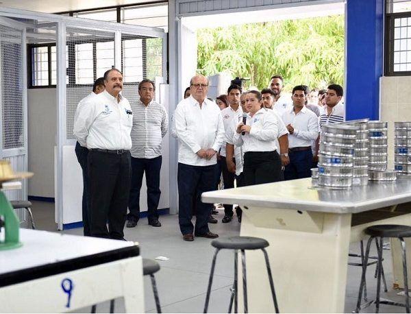 El Instituto Tecnológico de Zacatepec (ITZ) se coloca a la vanguardia nacional con su el nuevo Laboratorio de Ingeniería Civil, mismo que contará con equipo de punta, que sólo tiene en el país la Universidad Nacional Autónoma de México (UNAM)
