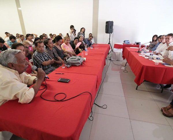 """Jorge Meade, al acudir como invitado, al foro """"Retos y Oportunidades para la reconstrucción de Jojutla"""", organizado por la Universidad Tecnológica de Morelos (UNITEM), en el que participaron también asociaciones civiles, religiosas, empresarios, padres de familia, entre otros, llamó a trabajar juntos"""