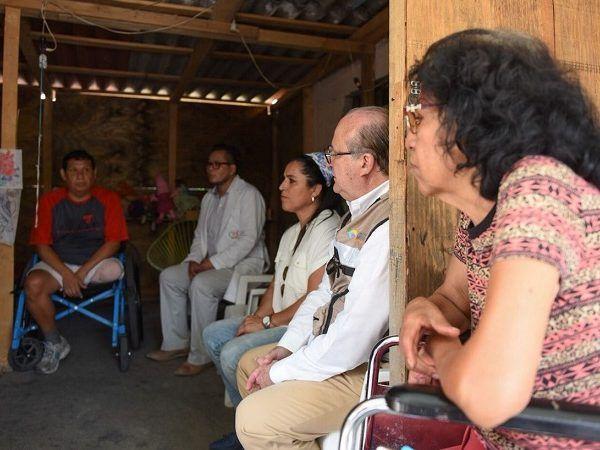 Asimismo, que el programa estatal Unidos por Morelos llevará a cabo la reconstrucción de su vivienda perdida durante el sismo del pasado 19 de septiembre, para que lo antes posible cuente con una casa segura y accesible a su nueva condición física