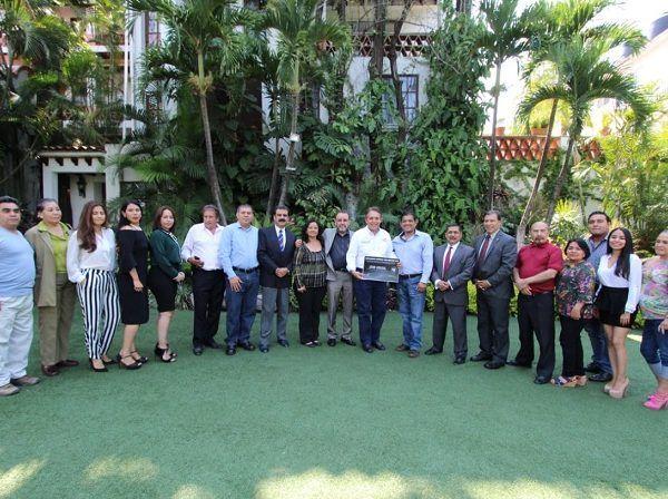 El candidato a gobernador por el PRI, Jorge Meade Ocaranza, se comprometió a implementar nuevos y mejores protocolos en materia de seguridad y tomar acciones eficientes que contribuyan a abatir la corrupción y la impunidad en todas las esferas de gobierno