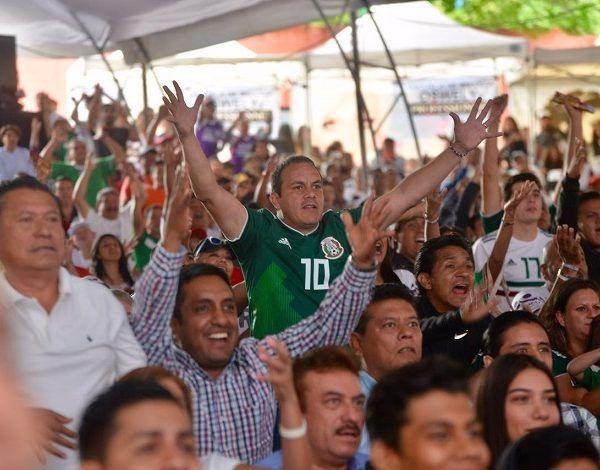 """Me voy contento, hicieron un gran esfuerzo, un gran esfuerzo, todos los jugadores"""", expresó el ex seleccionado nacional luego de presenciar la transmisión del encuentro en el parque """"Luis Donaldo Colosio"""", en el que todos los pronósticos estaban en contra para México"""