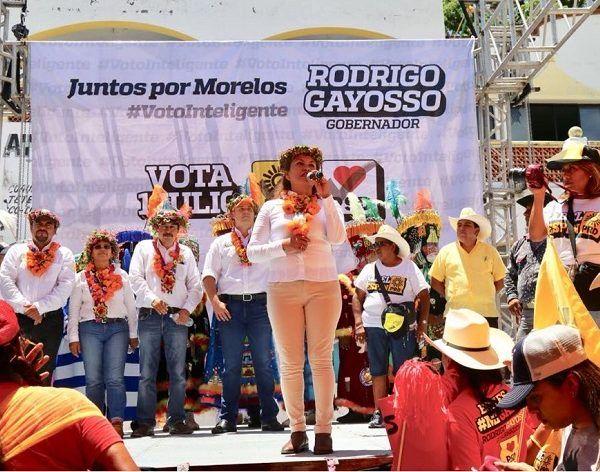 En compañía de Rodrigo Gayosso Cepeda, candidato a la Gubernatura por la coalición Juntos por Morelos PRD-PSD, que es importante gestionar oportunidades que permitan a las personas indígenas, tener un pleno desarrollo