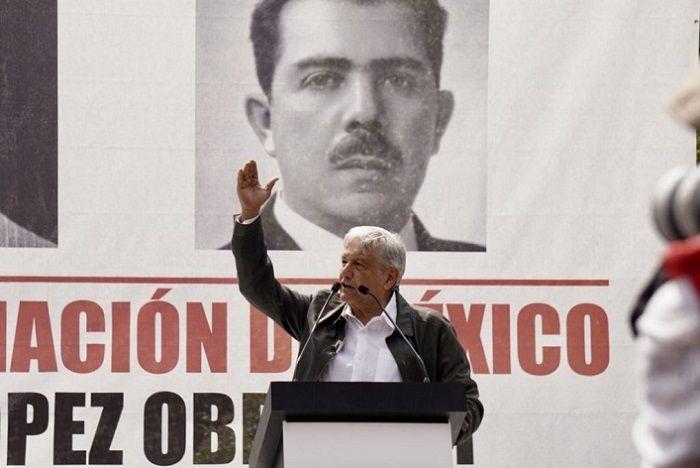 Al respecto, José Manuel Sanz Rivera, próximo coordinador general del Gabinete próximo gobierno, informó que se llevará a cabo una reunión entre Andrés Manuel y Cuauhtémoc Blanco
