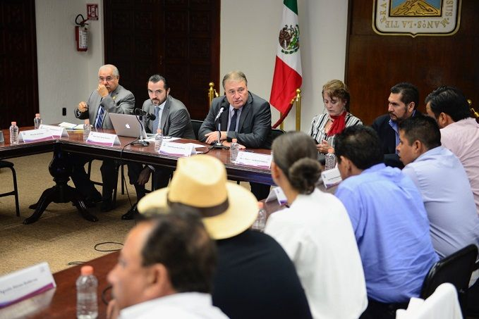 Reiteró que de parte del gobierno de Cuauhtémoc Blanco existe toda la voluntad de formar equipo, por lo que los convocó a tener comunicación permanente con cada integrante del gabinete, para atender los temas específicos