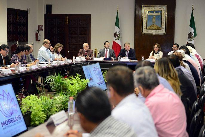 Expresó que de esta manera, los alcaldes serán recibidos por los titulares de las diferentes Secretarías para atender cualquier situación que pueda presentarse en sus municipios
