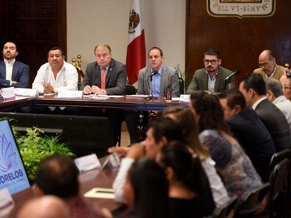 Durante el acto de integración de un grupo de trabajo entre el equipo de transición del Presidente electo y el gobierno estatal, así como diputados federales y locales y alcaldes en funciones y electos