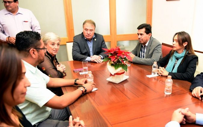 Ana Isabel León Trueba, consejera presidente del IMPEPAC, señaló que con Cuauhtémoc Blanco se tienen objetivos en común, como el fortalecimiento de la democracia por medio de la participación ciudadana