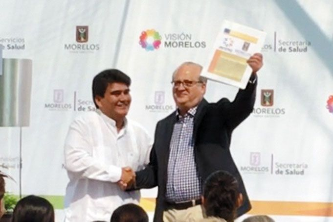 """Así como fue de vertiginoso su ascenso en la política, así se da ahora la caída del edil Manuel Agüero Tovar, quien en campaña ofrecía """"basura gratis"""" y """"parques gratis"""""""