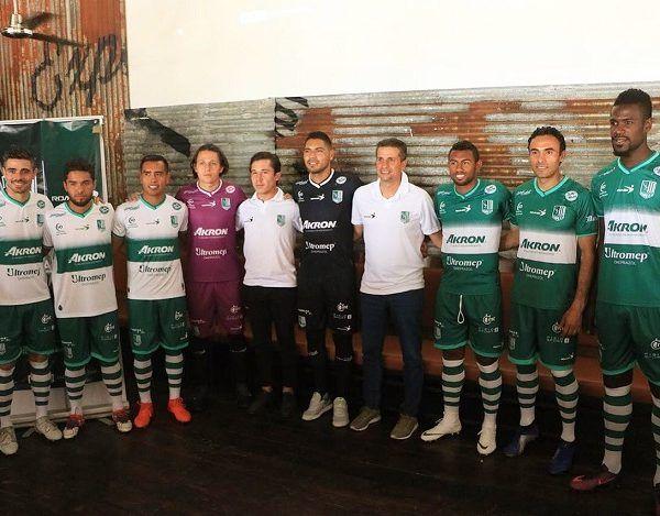Rodrigo Prieto, Leobardo López, Elbis Sousa, Giovani Hernández, Rodolfo Salinas, Alejandro Arana, Hugo Hernández y José Cortez fueron los encargados de portar los nuevos colores del equipo