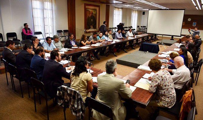 El secretario de Gobierno, Pablo Ojeda Cárdenas, y el delegado federal para los Programas Integrales de Bienestar Social en Morelos, Hugo Eric Flores Cervantes, se reunieron con los alcaldes de Puente de Ixtla, Axochiapan, Zacatepec y Tetela del Volcán y representantes de Tepoztlán, Cuernavaca, Jojutla, Tlayacapan, Jiutepec y Ocuituco