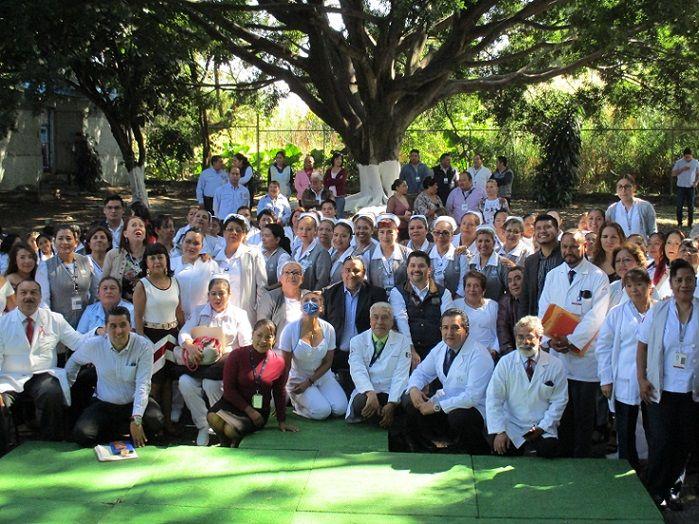 """En evento celebrado en las instalaciones de la Clínica Hospital de Cuautla, Schiaffino Pérez subrayó que las enfermeras y enfermeros del ISSSTE """"son el binomio perfecto en la atención de los pacientes"""", a lo que agregó que en ISSSTE en Morelos está en la misma línea de trabajo que el Presidente Andrés Manuel López Obrador y el Director General del Instituto, Luis Antonio Ramírez Pineda, en cuanto a que la salud es un tema prioritario para el gobierno federal de la Cuarta Transformación"""
