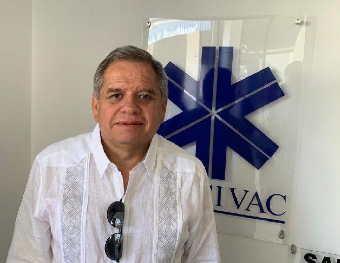 Bernardo Rosillo es Licenciado en Relaciones Comerciales y durante 34 años trabajó en NAFINSA, 12 de ellos siendo Delegado en el Estado de Morelos