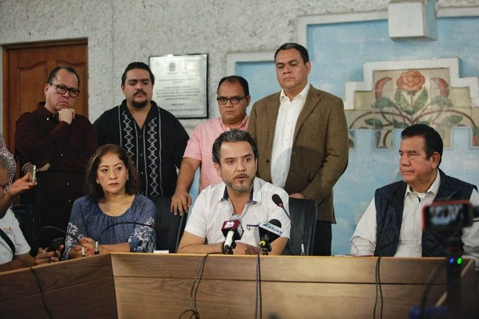 Dijo que el Gobierno del Estado ha traicionado a Cuernavaca, a través de esas acciones, porque en lugar de continuar con la búsqueda de una coordinación en favor de la seguridad y tranquilidad de la ciudadanía, hizo lo contrario