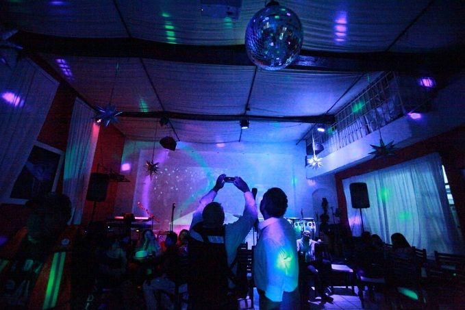 Informó que el Ayuntamiento de Cuernavaca activó un programa de supervisión a restaurantes, bares y centro nocturnos, que concluyó con la reciente clausura de varios negocios por violentar los reglamentos municipales