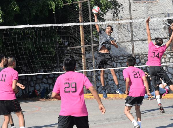 Los juegos que se llevaron a cabo en la Unidad Deportiva Fidel Velázquez Sánchez del IMSS, a donde puntuales llegaron cada una de las sextetas participantes para dar lo mejor de sí previo al receso que tomarán a partir de hoy y por ello buscaron cerrar fuerte las hostilidades de esta jornada