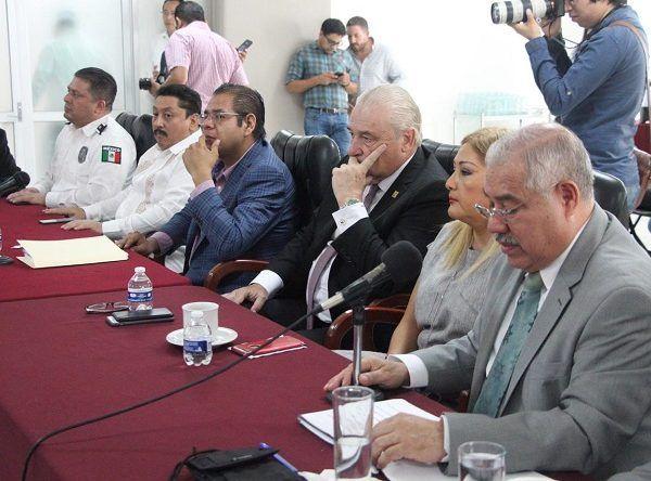 En tanto, el comisionado estatal de Seguridad, Almirante José Antonio Ortiz Guarneros, señaló que, tomando en cuenta el techo presupuestal 2019 de mil 98.4 millones de pesos y los requerimientos adicionales, la CES necesita una ampliación presupuestal de 777.3 millones