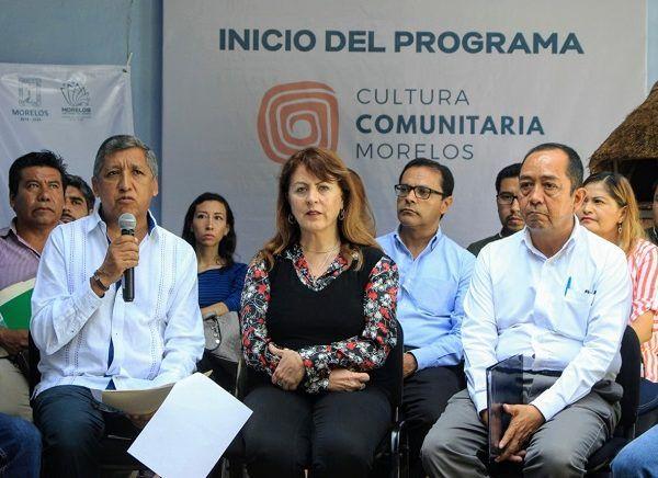 Acompañada de directores de Cultura municipales, la titular de la STyC, Margarita González Saravia, destacó que este es un programa angular de la dependencia, ya que es prioridad para el Gobierno estatal generar las condiciones necesarias para convertir el arte y la cultura en una herramienta para la construcción de paz.