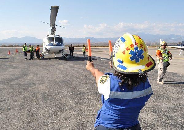 Maura Irais Esquivel Sánchez, titular del ERUM, informó que dicha práctica tiene como objetivo ampliar los conocimientos de los diferentes servicios de emergencia y las medidas de seguridad para interactuar con un helicóptero-ambulancia