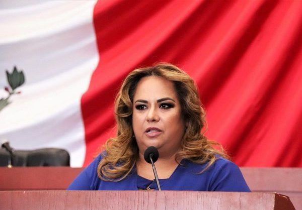 llamó a los tres poderes del Gobierno a trabajar unidos y a fortalecer la Fiscalía General del estado, lo anterior ocurrió durante la comparecencia semestral que realizó el Fiscal Uriel Carmona Gándara ante el Pleno del Congreso de Morelos