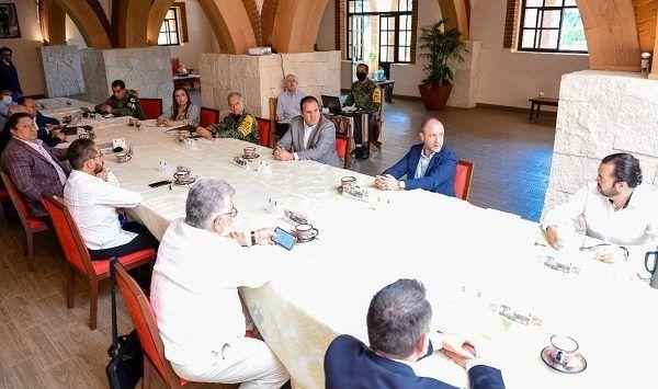 El gobernador Cuauhtémoc Blanco Bravo encabezó la sesión de la Mesa de Coordinación Estatal para la Construcción de la Paz, en la que participó Alejandro Robledo Carretero, subsecretario de Planeación, Prevención, Protección Civil y Construcción de la Paz de la Secretaría de Seguridad y Protección Ciudadana