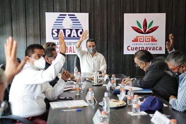 En la reunión ordinaria de la Junta de Gobierno del SAPAC, al aprobarse los documentos rectores de las finanzas del organismo, por parte de la Junta de Gobierno y el reciente convenio de reestructuración con la Comisión Federal de Electricidad (CFE) y la Universidad Autónoma de Morelos (UAEM), el alcalde advirtió la necesidad de garantizar el buen funcionamiento del SAPAC para no perjudicar a los usuarios de Cuernavaca