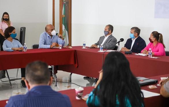 """La coordinadora del grupo parlamentario del Movimiento de Regeneración Nacional (Morena), se reunió con los integrantes de la Barra de Abogados, quienes manifestaron su preocupación en torno a que la designación de dichas posiciones se haga """"a modo"""""""
