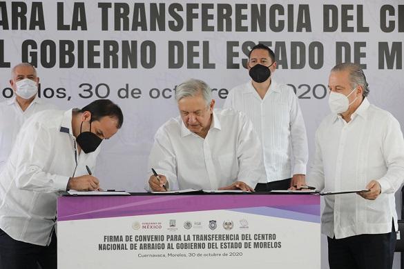 Informó que Morelos tiene una sobrepoblación de reos que rebasa el 20 por ciento, por lo que esta transferencia ayudará a mejorar condiciones de espacio para los reos y dará comodidad a los familiares