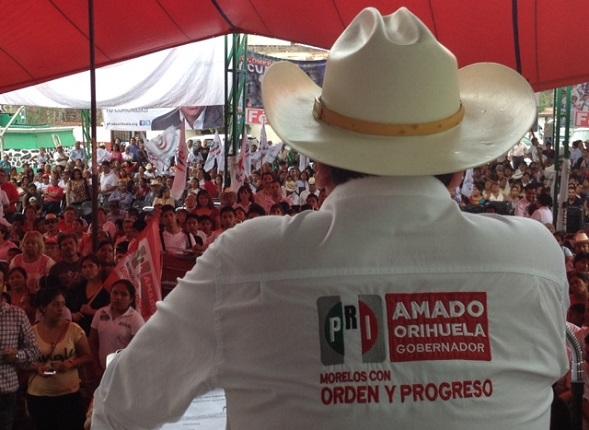En las elecciones del 2012, el partido en en el Estado, (aún sin candidatos), registraba una ventaja de un 20% a otras fuerzas, por lo que en un proceso interno altamente cuestionado, Amado Orihuela fue el candidato del PRI a la gubernatura
