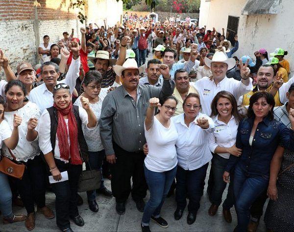 Sara Tapia Salinas como dirigente municipal, a Julio Ocampo Domínguez como secretario general, y a los militantes que formarán parte del Comité