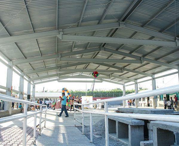 Se trata de las techumbres de la primaria matutina y vespertina, Rafael Ramírez-Aurelio C. Merino, de la colonia Calera Chica, y de la que corresponde al Jardín de Niños Tepehuanes de la Unidad Habitacional La Rosa