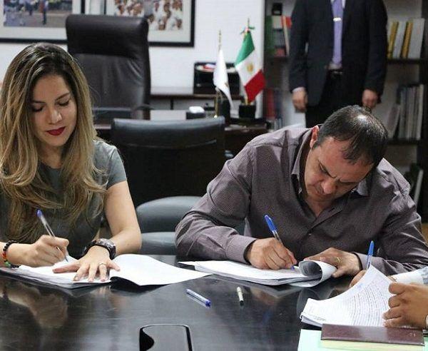 Esta tarde Cuauhtémoc Blanco y Deniss Arizmendi formalizaron la entrega de la administración pública 2016-2018, a fin de dar continuidad a los programas y acciones previstos en el Plan Municipal de Desarrollo