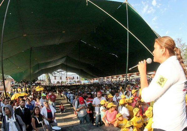 junto con Rodrigo Gayosso Cepeda, Candidato a Gobernador, anunció más recursos que permitan ampliar el número de estudiantes beneficiados con la Beca Salario e incrementar el apoyo económico a los jóvenes