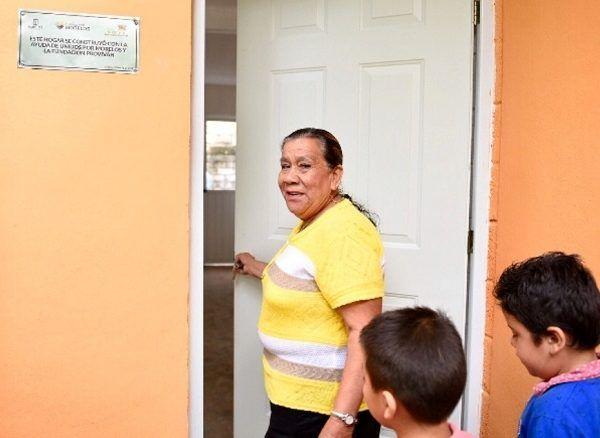 Armando Reza Becerril, director del Fideicomiso Proviváh, afirmó que Morelos fue el único estado del país que creó un programa especial de reconstrucción para atender a las familias que el Fondo de Desastres Naturales (FONDEN) no reconoció por las estrictas reglas de operación que lo rigen