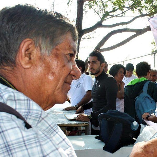 Roger Chávez con sus líneas y fotografías ha dejado huella en diferentes competencias locales, nacionales e internacionales, ha tenido responsabilidades en la dirigencia del periodismo estatal y nacional; y hoy se le rinde tributo por destacada trayectoria, siempre con el profesionalismo, humildad y sencillez que se le ha caracterizado por siempre