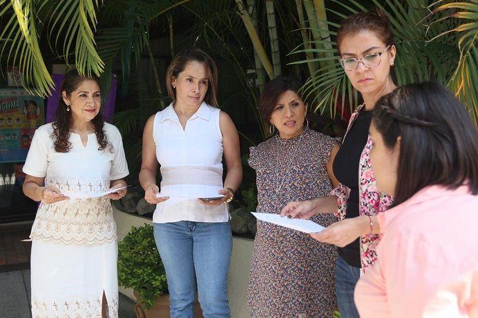 Realizó, junto con las diputadas Ana Cristina Guevara y Naida Josefina Díaz, una visita por el IMEM, donde su directora, Flor Dessire León Hernández, ofreció una explicación de la operatividad del organismo