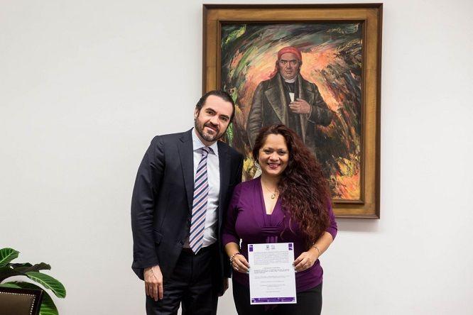 Recordó a Danae De Negri que la instrucción del gobernador Cuauhtémoc Blanco es un trabajo cercano a la gente, por lo que al frente del cargo, tendrá la encomienda de emprender acciones para prevenir la violencia y garantizar el respeto a los derechos de la infancia