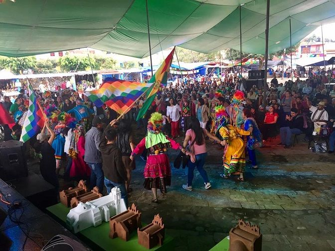 Inauguración que contó con la presencia del embajador de Bolivia en México, José Crespo Fernández, la titular de la Secretaría de Turismo y Cultura de Morelos, Margarita González; y el presidente de Tlayacapan, Jairzinho Saldaña Casales