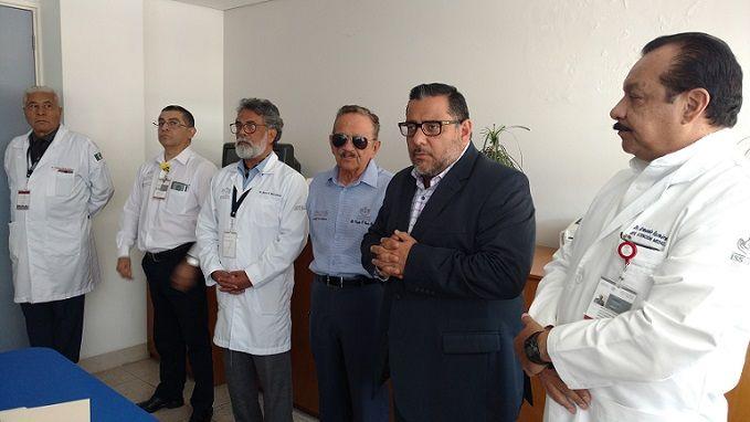 Al hacer la presentación de los nuevos Subdirectores Médicos, en las instalaciones de la CMF Cuernavaca, Schiaffino Pérez destacó la trayectoria profesional de 55 años del Dr. García Rojas Ramírez, quien recientemente recibiera del Congreso del Estado el Reconocimiento al Mérito Médico 2018, y reconoció el trabajo institucional del Dr. Rodríguez González