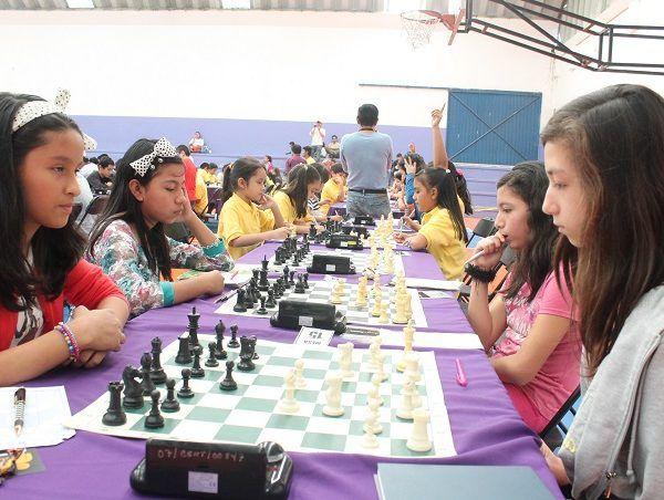 El director del Instituto del Deporte de Morelos, Osiris Pasos Herrera, destacó que en esta justa regional en la disciplina del voleibol de playa que se realizó apenas el pasado fin de semana en Acapulco, Guerrero la escuadra juvenil femenil amarro su boleto a la fase nacional que se realizará en Quintana Roo