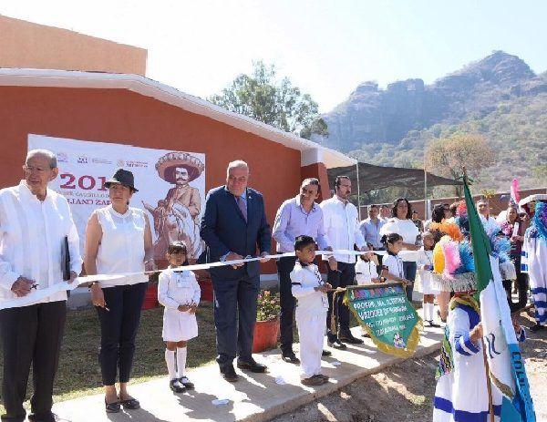 El kínder estaba ubicado en el Centro de Tlayacapan y debido a los trabajos de reconstrucción que realiza el Instituto Nacional de Antropología e Historia (INAH) de monumentos históricos en la zona, se acordó cambiar la sede escolar a sólo cinco minutos del anterior