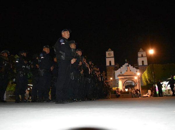 El despliegue operativo de seguridad se dio en la plaza principal de poblado de Tejalpa, de donde salieron las células mixtas de efectivos que patrullarán las colonias de Jiutepec para garantizar la seguridad de la población
