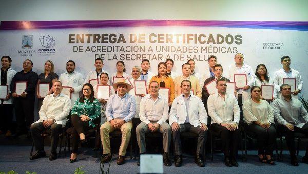 Lo anterior, al hacer entrega a 18 unidades médicas de la Secretaría de Salud los dictámenes de acreditación correspondientes al Catálogo Universal de Servicios de Salud (CAUSES) y el Fondo de Protección contra Gastos Catastróficos (FPCGC)