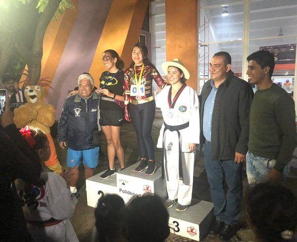 El evento contó con la respuesta de los estudiantes de la UAEM, unos hasta vestidos de acuerdos con las festividades de muertos; Julio César Castellanos y Naian Peralta fueron los ganadores de esta justa en la rama varonil y femenil, respectivamente