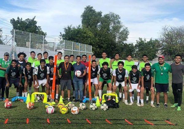 Esta tarde en la cancha de la Unidad Deportiva San Carlos de Yautepec, los mandones del grupo, del Atlético Yautepec, en punto de las 16:00 horas recibirán la visita de los Camoteros del Club Puebla F.C