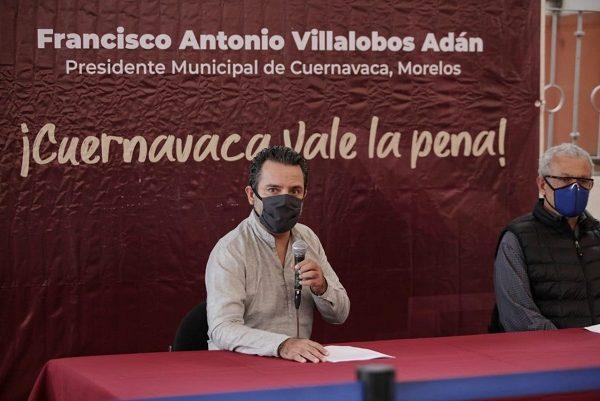 En rueda de prensa, manifestó que las circunstancias de Cuernavaca no se parecen a ninguna otra urbe, mucho menos a las de la CDMX y que el reinicio de actividades económicas, comerciales y de servicios, obedece a que capital (incluida la administración municipal) está quebrada
